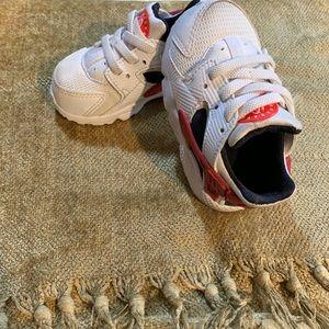 Baby boy Nike (sz 5c)